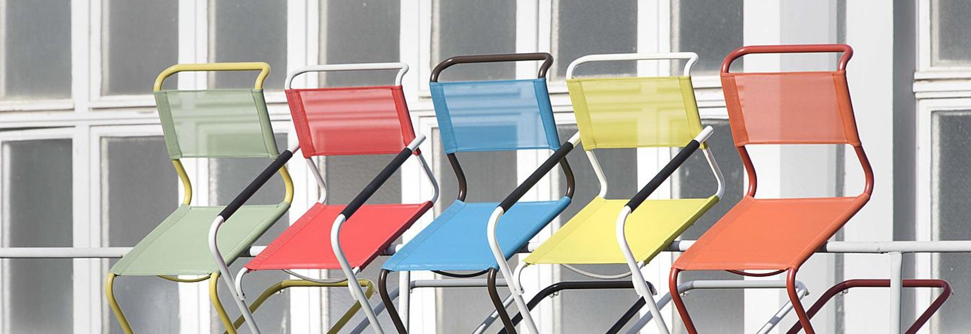 Eine Ansammlung, vier Jahreszeiten - Thonet startet Röhrenstahlklassiker in den neuen Farben für Innen- und im Freiengebrauch