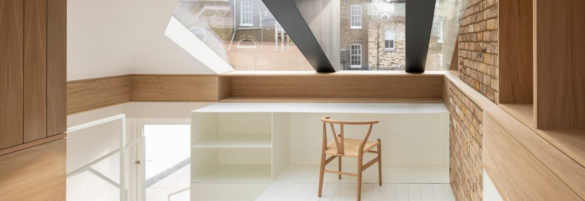 Con Form Architects öffnet das Dachgeschoss mit einer Glas- und Stahlgaube