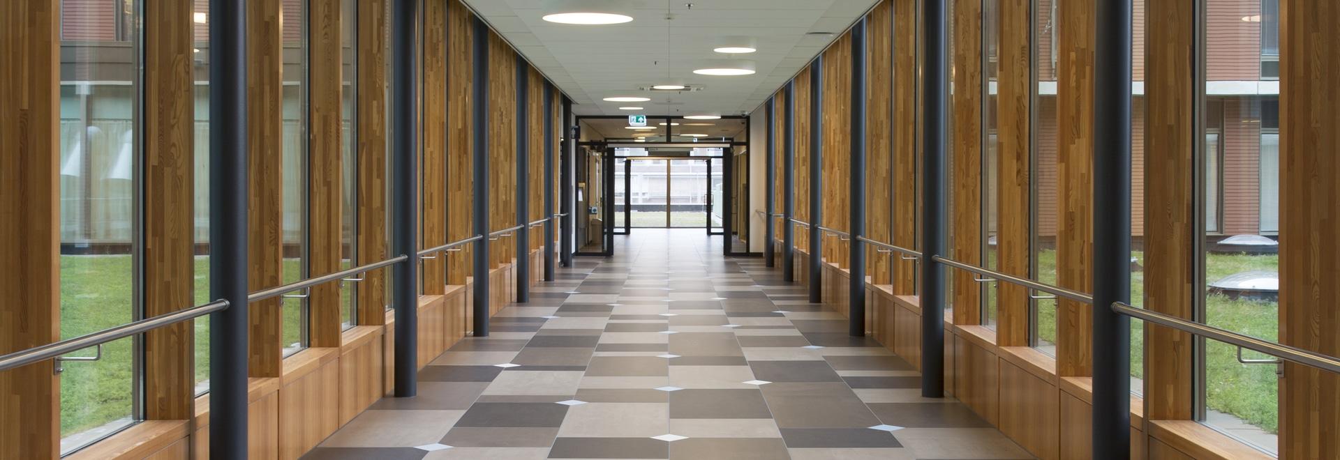 Delft-Fliesenboden - Holländer fertigen durch Mosa-Fliesen kundenspezifisch an