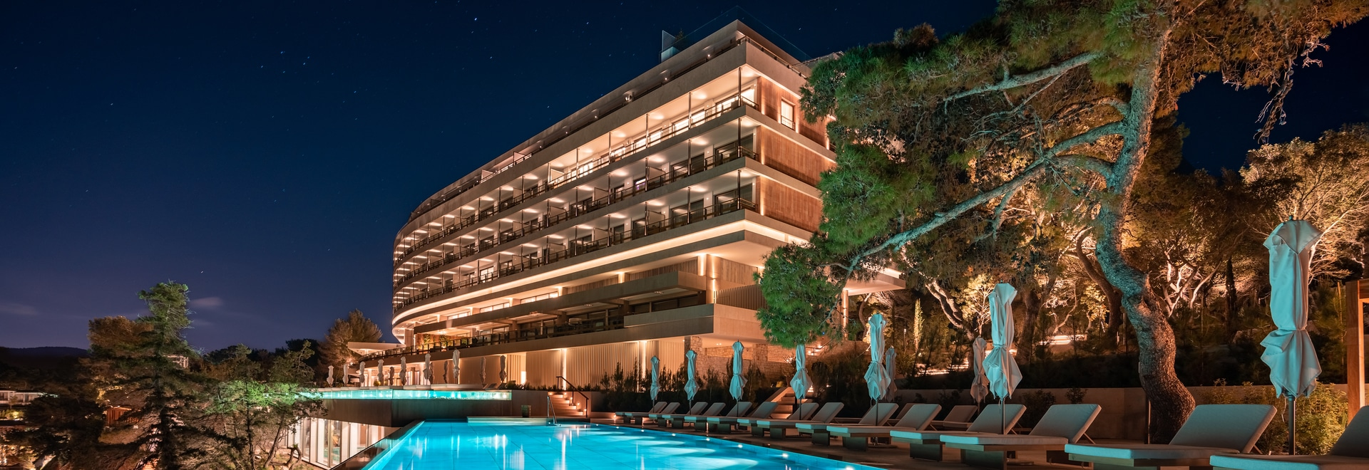 Four Seasons Hotel, Arion