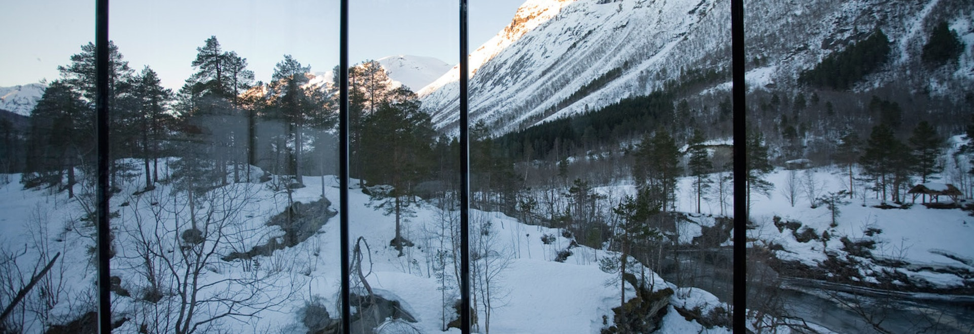 Das Leben, aber möglicherweise nicht als Sie kennen es: ein Raum im Juvet Landschaftshotel in Norwegen. (Alle Fotos: Jensen u. Skodvin Architekten)