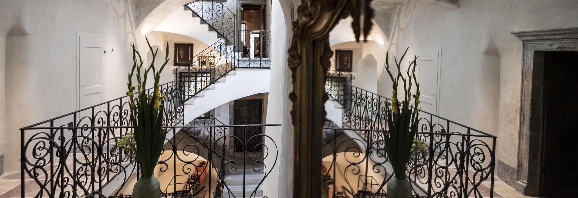 Ritmonio tippt auf das Goldenstern Townhouse, ein Juwel der Gastfreundschaft im Zentrum von Bozen.