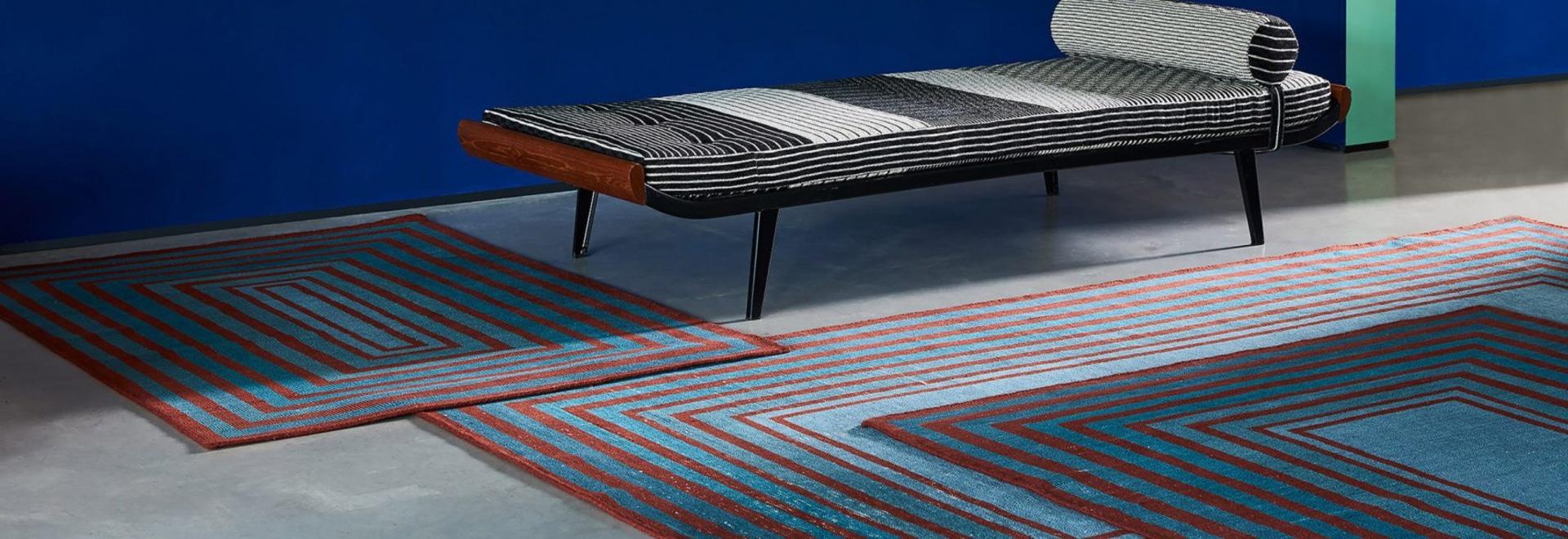 """Sebastian Wrong's modulare Teppiche können zu einem """"endlosen Feld"""" verbunden werden"""