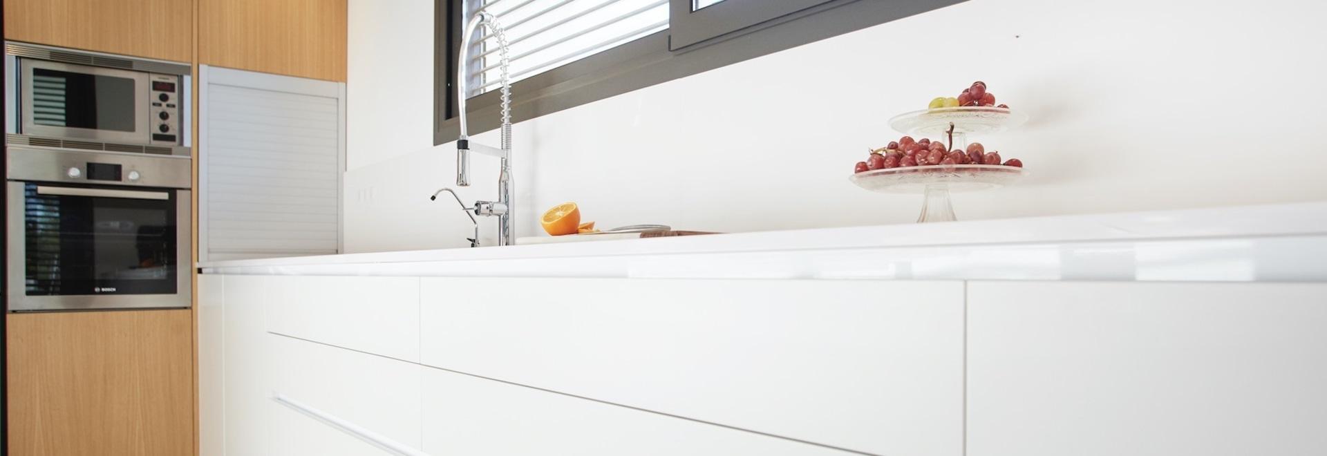 Sowohl in der Küche als auch im Bad ist der Wasserhahn einer der Hauptakteure