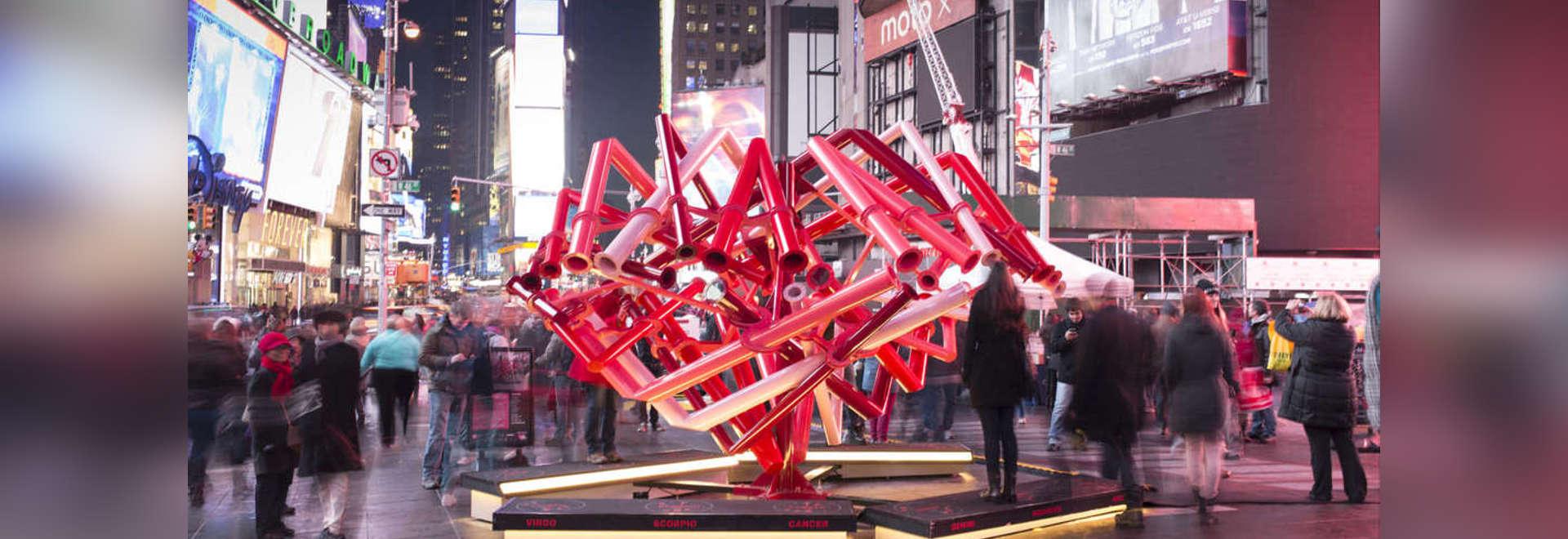 Times Square-Valentinsgruß-Herz durch junge Projekte, New York, Vereinigte Staaten