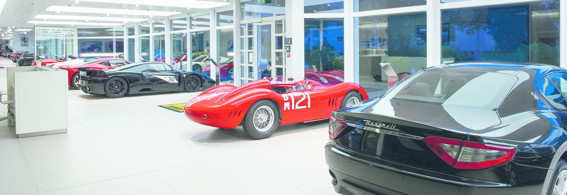Zumtobel hebt glänzend erstklassigen Auto-Vertragshändler in Wallis hervor