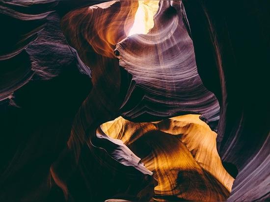 """Antilopen-Schlucht, Vereinigte Staaten. Foto durch julianisches Bialowas, """"vom großen breiten öffnen sich"""", ©"""