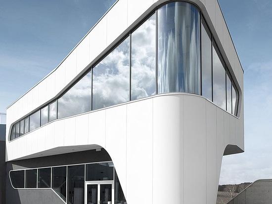 ECL euro.COURIER - Aluminiumfassade nach Passivhausstandard