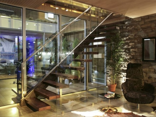 NEU: gerades Treppenhaus durch BATTIG ENTWURF
