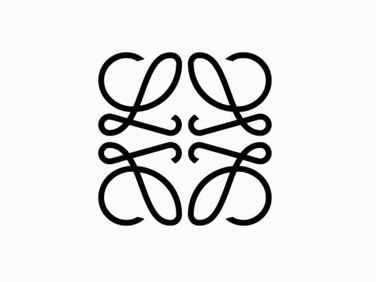Das berühmte Anagramm der Marke, die vierfachen-L Abzeichen, ursprünglich entworfen 1970 durch spanische Maler Vicente-Hüllen, ist ähnlich unten für die folgende Phase der Marke geschnitten worden