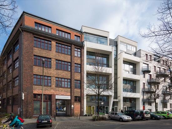 Korb-Wohnungsprojekt? Doppelhaus? in Berlin-Treptow 2010. (Foto: Marcus Ebener, sterben Zusammenarbeiter)