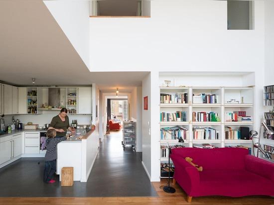 Großzügigkeit und Offenheit von? Doppelhaus? , 2010. (Foto: Marcus Ebener, sterben Zusammenarbeiter)