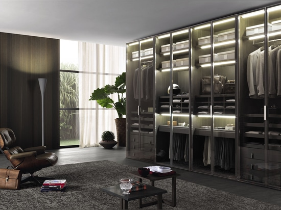 NEU: zeitgenössische Garderobe durch MisuraEmme