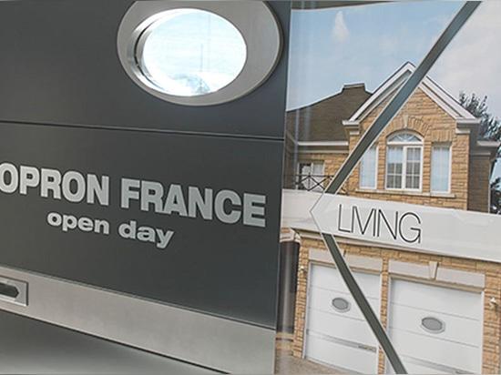 Kopron Frankreich, ein spezieller Tag, zum der öffnung eines neuen Pfostens der Produktion von Wohntüren zu feiern