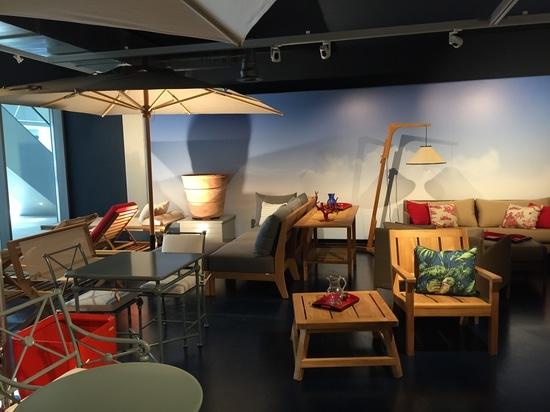 Tectona öffnet einen neuen Ausstellungsraum in der Schweiz