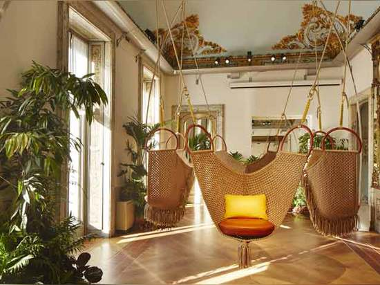 Schwingen-Stühle durch Patricia Urquiola