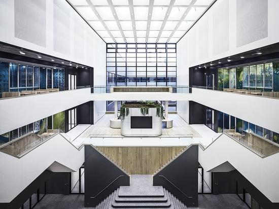 Atrium Delfts TU - Laminam-Platten