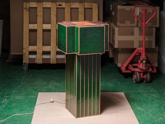 Kwangho Lee verwendet alten Emaillierungsprozeß für Sammlung Möbel