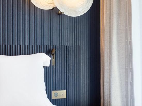 Ein neues ikonenhaftes Projekt für Lema-Vertrag, der weg von den Einrichtungsgegenständen der Räume im historischen Pariser Luxushotel Lutetia unterzeichnet hat, das vollständig nach einem Projekt ...