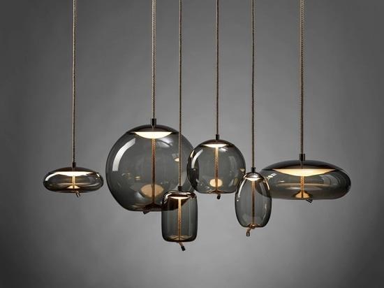 ChiaramonteMarin Designstudio hat eine genannte Glaslampe KNOT hergestellt