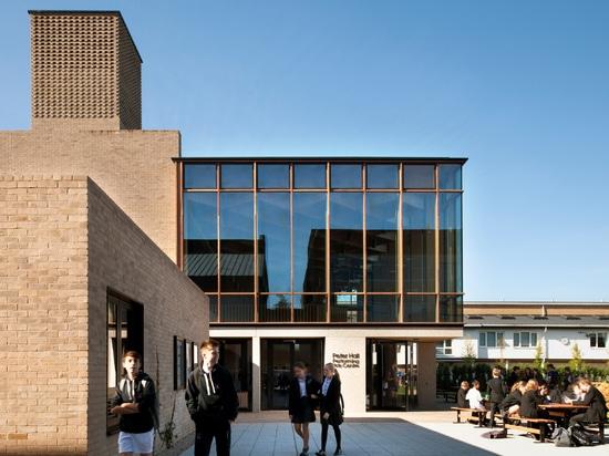 Entwürfe Peter Hall Performing Arts Centre Haworth Tompkins mit Glasfoyer