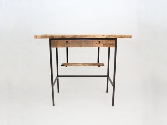 Antrieb-stehender Schreibtisch durch Spule + Antrieb