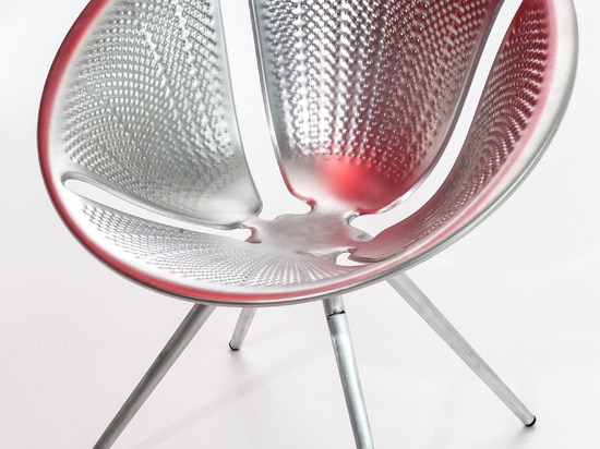 Diatomee-Stuhl durch Ross Lovegrove