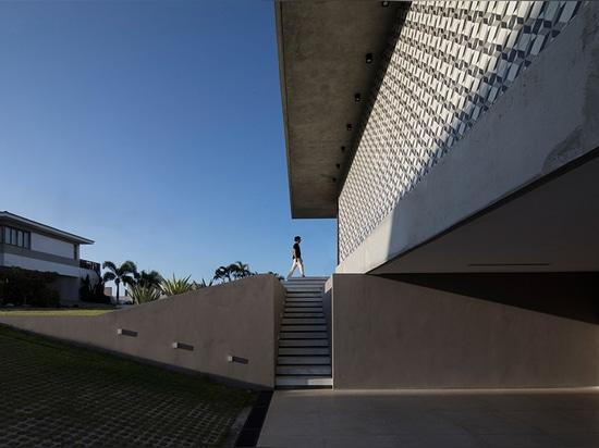 IF Haus von Martin Lucena erinnert Sie an den Strand