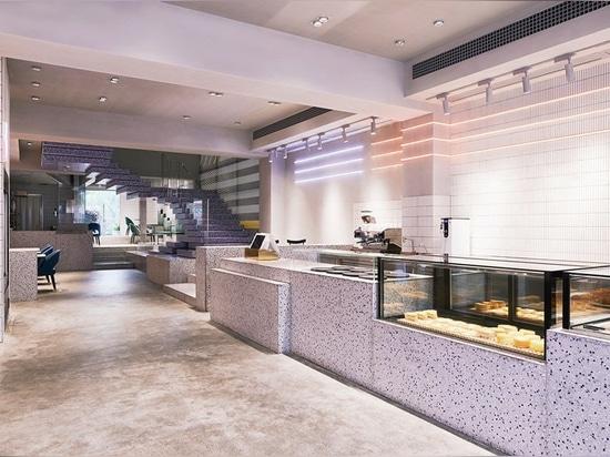 KCA komponiert die Yakafu DIY-Bäckerei in China mit geometrischen Terrazzo-Blöcken + grafischen Elementen