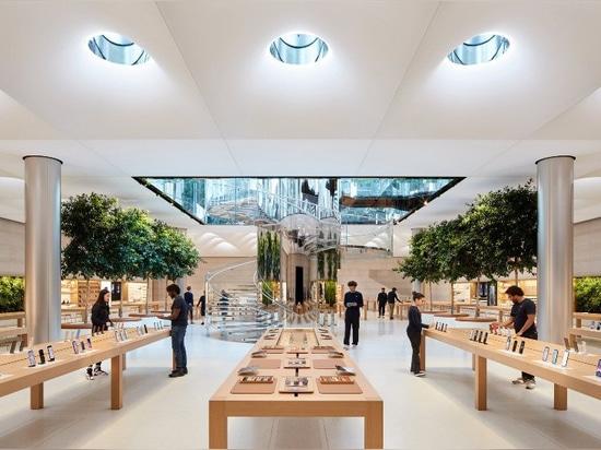 apple's berühmter new yorker'cube' öffnet wieder in der fifth avenue