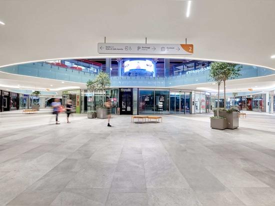 Einkaufszentrum Aura