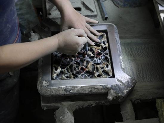 Herstellung von Zementfliesen mit Form
