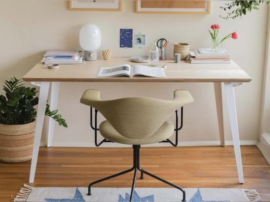 Sparen Sie 100 Dollar von diesem riesigen Schreibtisch, der in 2 Minuten aufgebaut ist