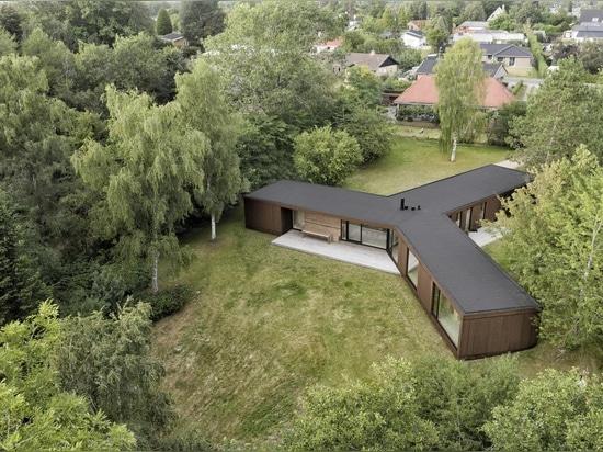 Die CLT-Struktur dieser innovativen dänischen Villa wurde in nur drei Tagen errichtet