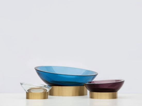 Leichtigkeit und Farben in den Glasprodukten von Sklo