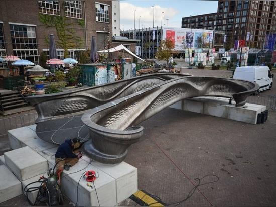 Weltweit erste 3D-bedruckte Metallbrücke