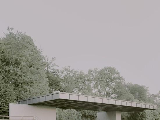 Städtische Stadionüberdachung / Didonè Comacchio Architekten