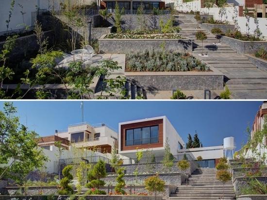 Die Terrassenlandschaft bietet dieses Haus mit mehreren Gärten