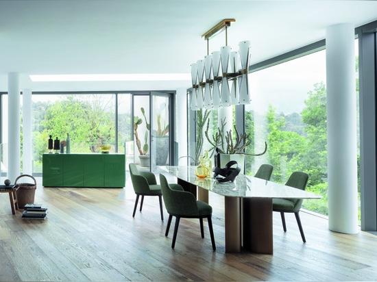 Gullwing-Tisch, Stühle und Sessel Lucylle, Sideboard Florens