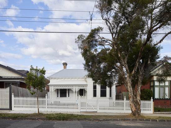 Renovierung des Clad Pad House / Mihaly Slocombe
