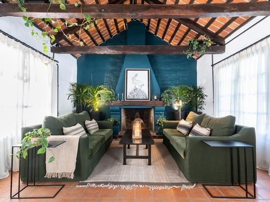 Ein als Haus getarntes Büro in Cordoba