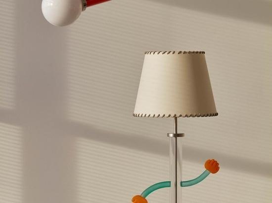 Der japanische Glaskünstler Baku Takahashi arbeitet mit Trueing zusammen, um farbenfrohe Lampen zu entwerfen