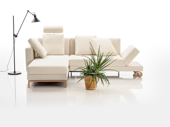 Das Four-Two-Sofa von Roland Meyer-Brühl für Brühl.