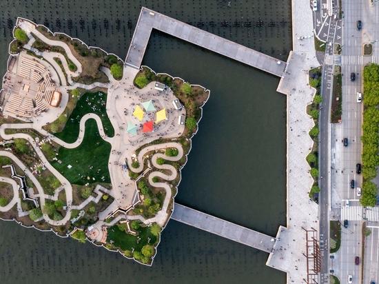 Thomas Heatherwicks Little Island Park und Freilichttheater eröffnet am Hudson