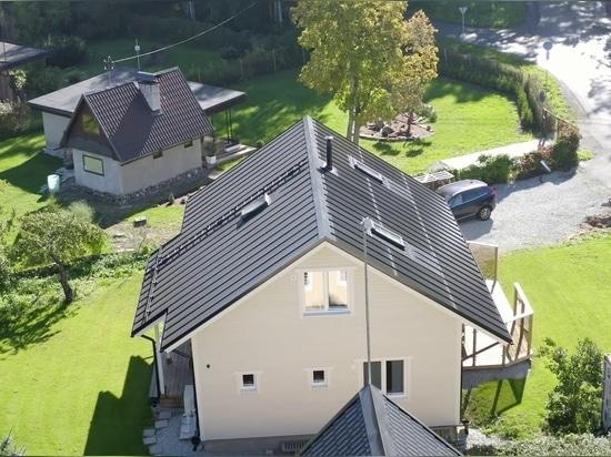 Q&A: Europas Version von Tesla, das neue klickbare Solardach von Roofit.solar