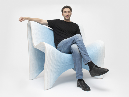 3D-gedruckte Möbelkollektion mit Farbverlauf von Philipp Aduatz