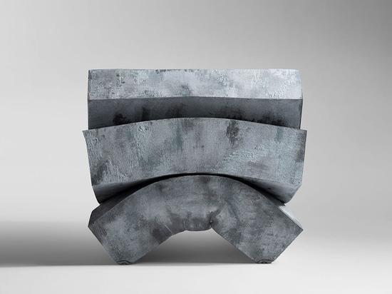 HORM präsentiert MASS PRESSURE Sessel von Dror