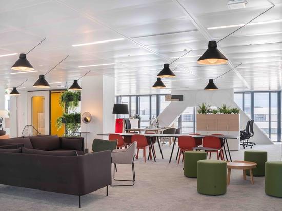 Offene Büroräume für die Gruppe Le Monde.