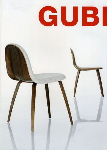 Gubi chair with wooden base