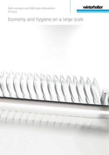 Rack conveyor and flight-type dishwashers